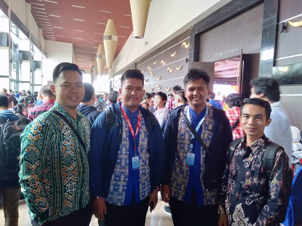 Dua Siswa MAN IC Duta OSN di Manado