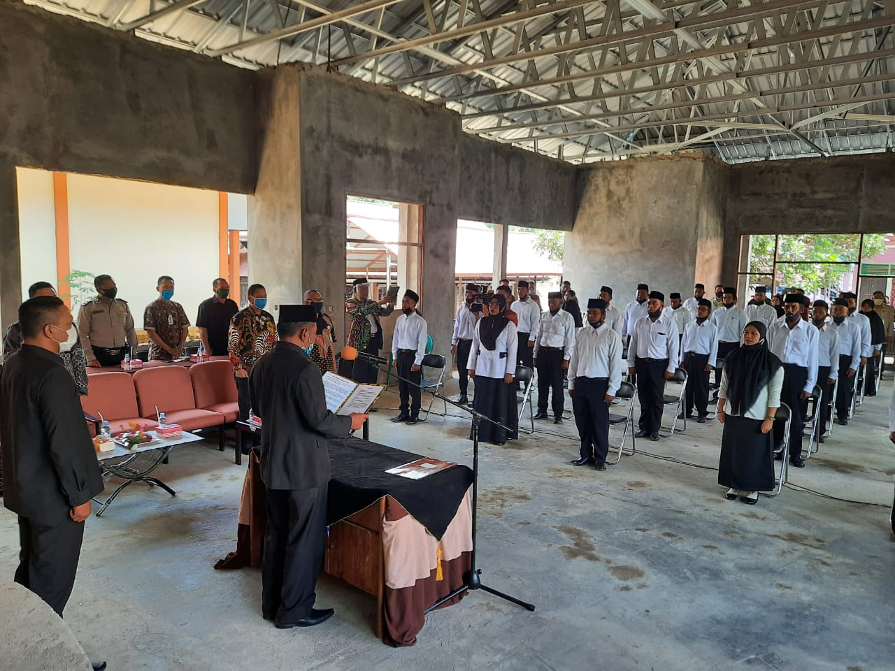 Sekda Lantik 28 Anggota BPD Kecamatan Long Kali