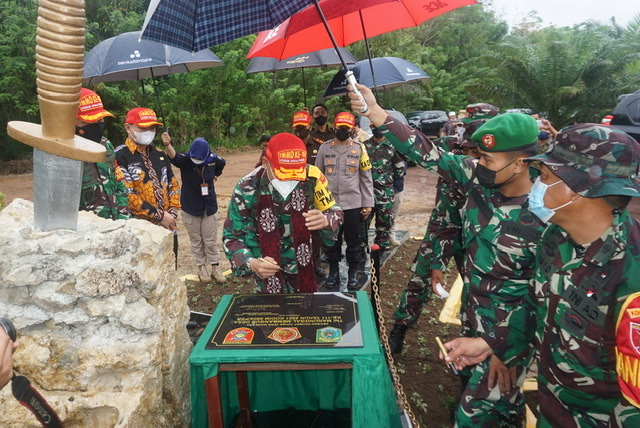 Brigjen Irham, Bupati Fahmi & Dandim Tandatangani Prasasti TMMD ke-111