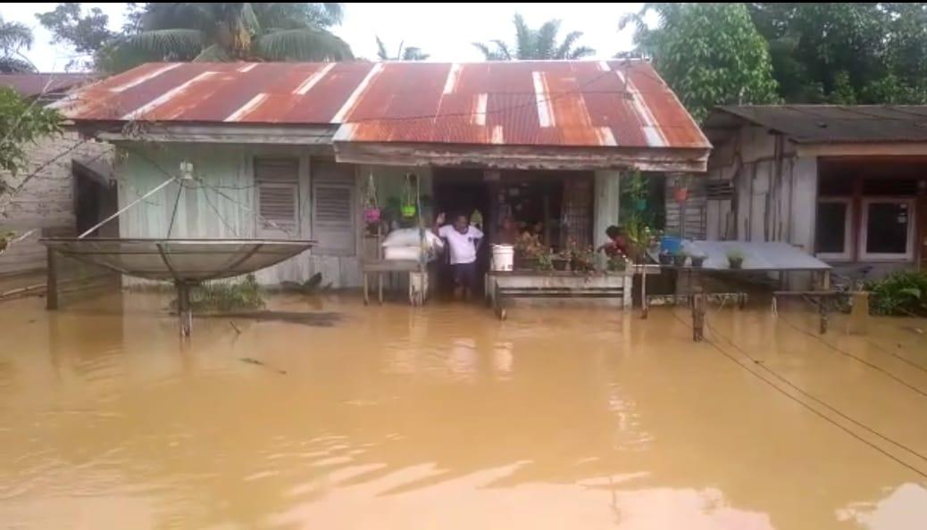 Banjir Melanda Long Ikis