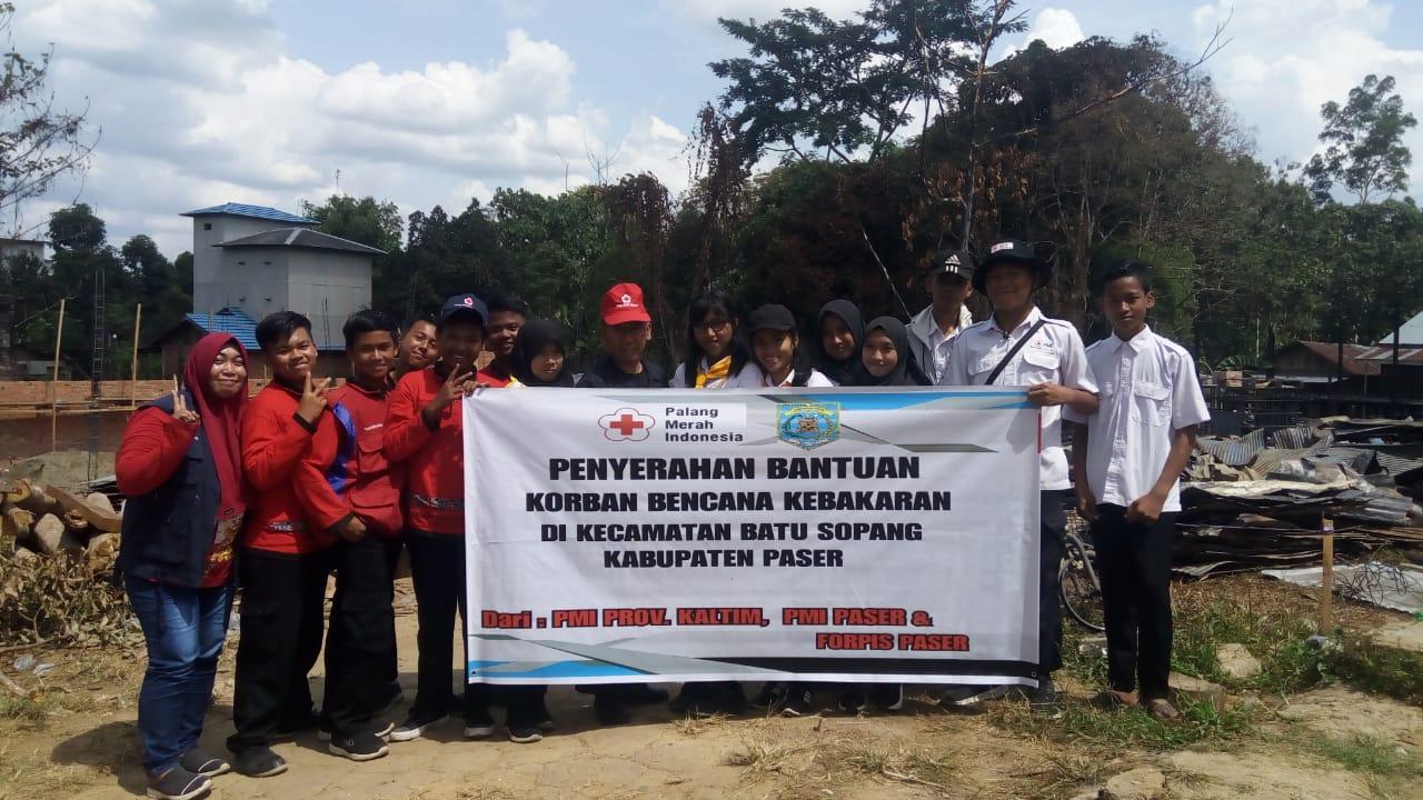 PMI Bantu Korban Kebakaran di Batu Sopang