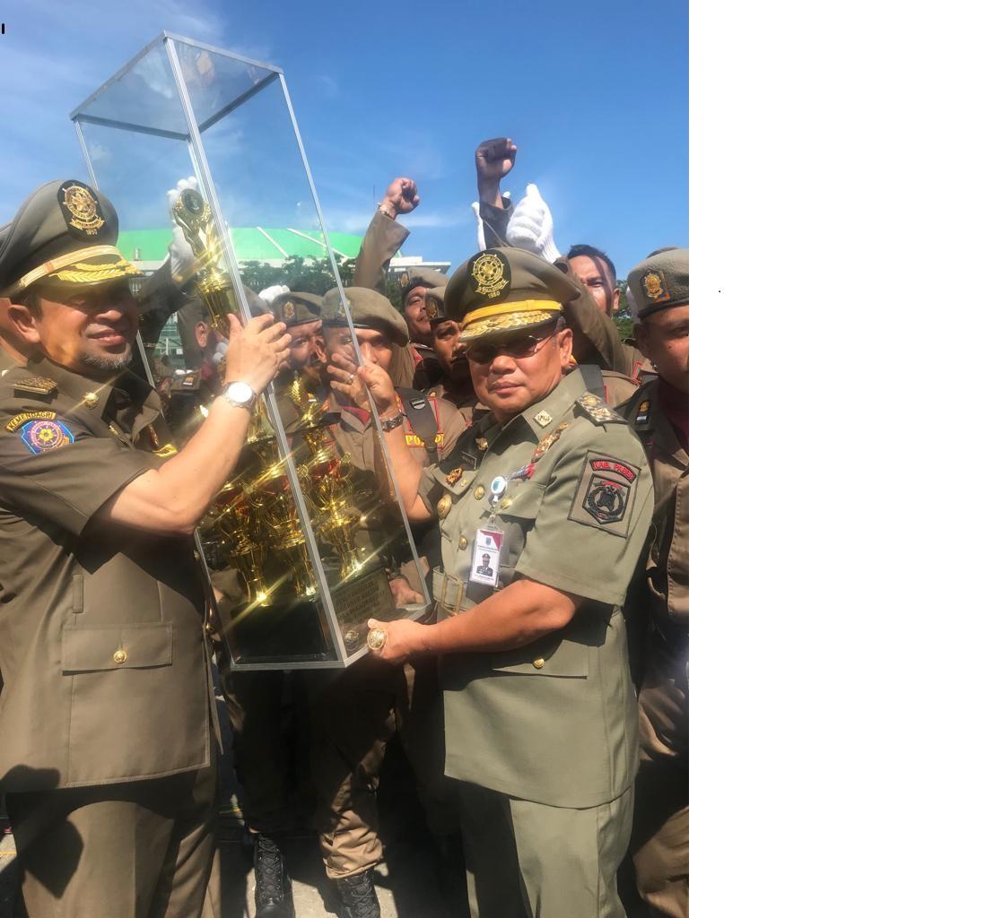 Satpol Paser Juara Defile Tingkat Kaltim