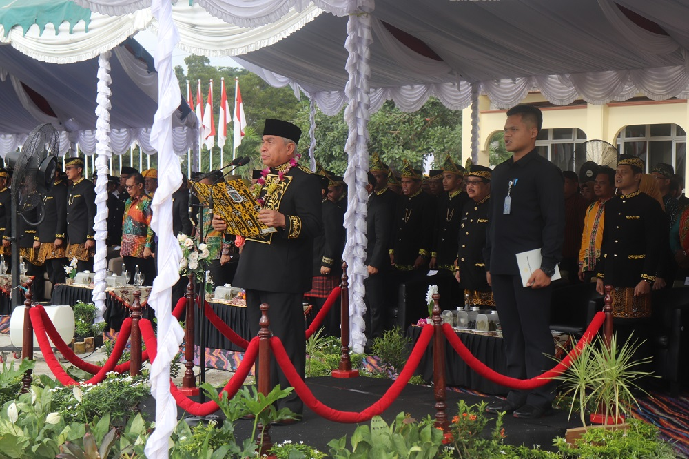 Gubernur Isran Noor Irup Upacara Hari Jadi ke-60