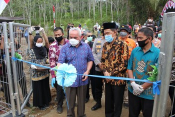 Gubernur: PLTS Program Unggulan bagi Desa yang Belum Merasakan Listrik PLN di Kaltim