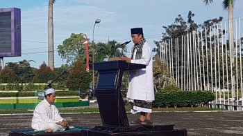 Ribuan Warga Hadiri Sholat Idul Fitri, Ini kata Wakil Ketua DPRD Dalam Khutbahnya