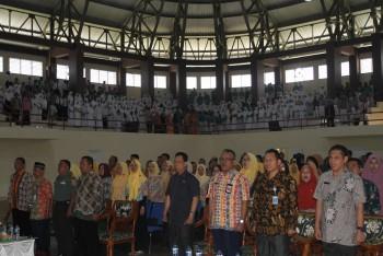 Ribuan Pelajar dan Pegawai Nyanyikan  6 Lagu Wajib