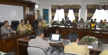 Bupati dan Wabup Terima Kelompok Masyarakat Paser Alokasikan  Anggaran Penanganan Jalan & Segera Lakukan Tambal Sulam
