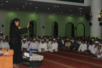 PBNU Paser dalam rangka Maulid Nabi Muhammad SAW di masjid Agung Nurul Falah; Ribuan Jemaah Hadiri Tablik Akbar