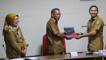 Pemkab Paser serah terima PLTS di Desa Tanjung Pinang
