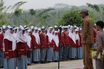 Pimpin Upacara Bendera di SMAN 2, Wabup Pesan Manfaatkan Masa Muda Sebaik-Baiknya