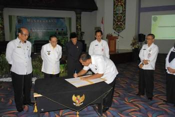 Ketua Bappeda Sampaikan 7 Isu Strategis dan Permasalahan Daerah