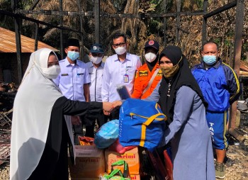 Wabup Masitah Prihatin Korban Musibah Kebakaran Desa KPJ, Beri Bantuan