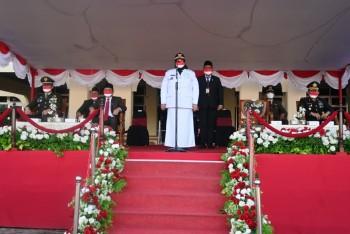 Wabup Masitah Pimpin Upacara Penurunan Bendera Merah Putih
