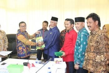 Akhir Jabatan, 7 Anggota DPRD Tana Bumbu Kunjungi Bina Kesra II