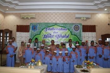Gelar Halal Bihalal, IKAPTK Berikan Santunan Anak Panti Asuhan