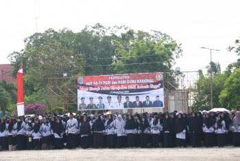 Ribuan Guru Respon Sambutan Mendikbud Saat di Bacakan Bupati