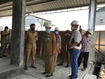 1 Desmber Rampung, Asisten Ekbag Tinjau Pembangunan Blok A & B Pasar Senaken