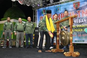 Pukul Gong Bergantian Dandim & Ketua DPRD, Wabup Buka Festival Vokalis Dandut Hut TNI ke-74