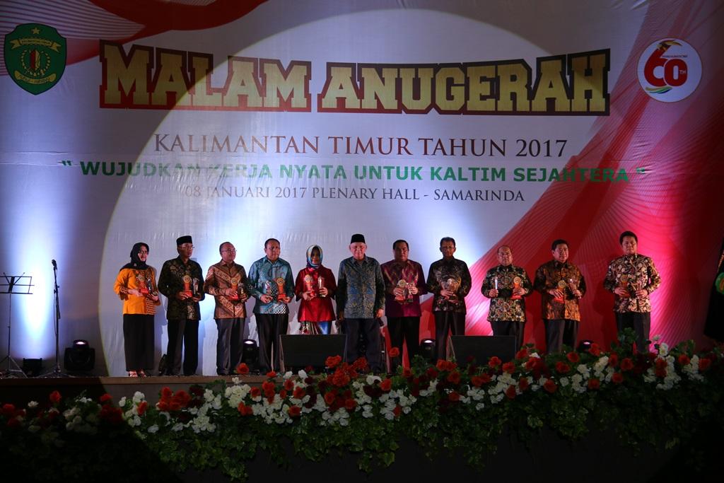 Pimpinan Daerah yang Menerima Pengharagaan dari Gubernur Kaltim pada Acara Malam Anugerah HUT Kaltim