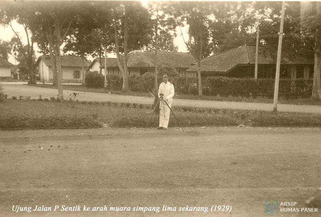 Jalan Panglima Sentik ke arah Simpang Lima Tahun 1929