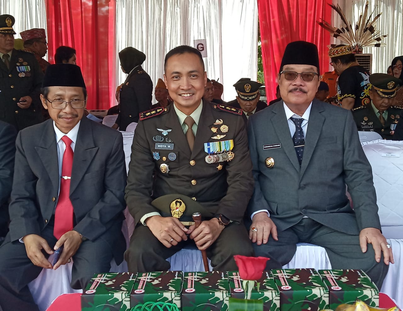 Bupati Paser Hadiri HUT ke 74 TNI