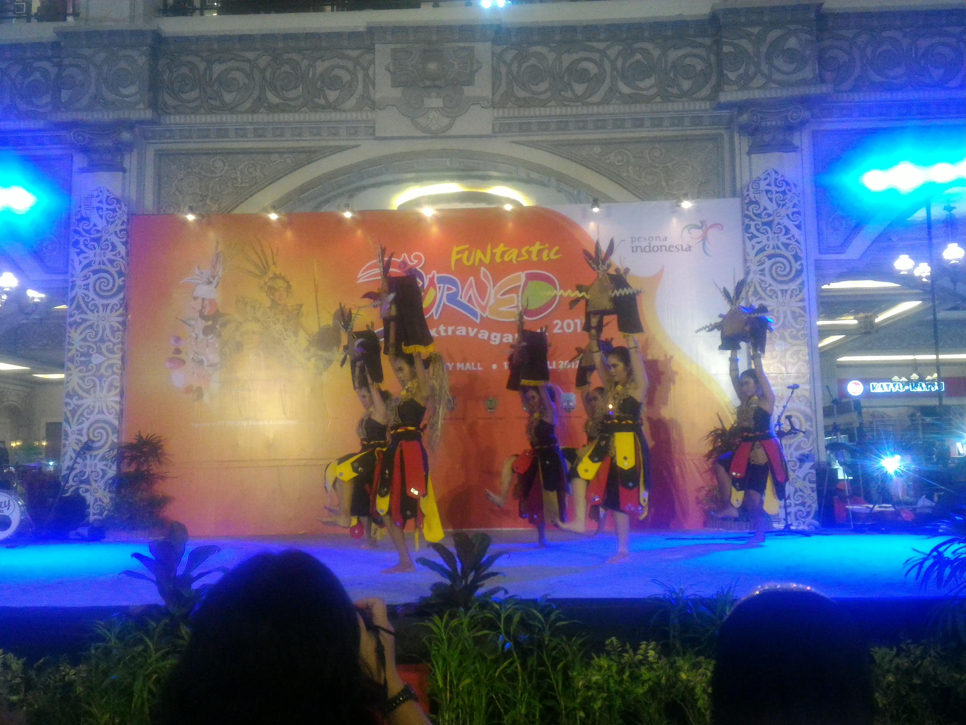 """""""Lou Lutung"""" Paser Meriahkan Funtanstic Extravaganza Borneo 2017 Ishak: Promosi Pariwisata Paser di Yogya"""