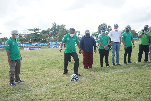 Dibuka Sekda, Festival Sepak Bola Piala Bupati Paser Dihadiri Komisaris Utama Bankaltimtara