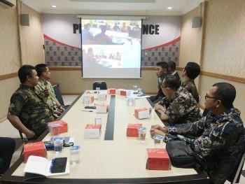 Tim Analis Informasi Humas Paser Belajar di Humas Kota Surabaya