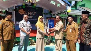 SDIT Al-Khawarizmi dan MTS Negeri 1 Juara Umum I-FEST MAN IC Paser