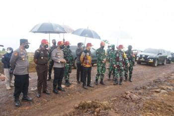 Bupati Apresiasi Pelaksanaan TMMD ke-111 di Desa Kerang Dayo
