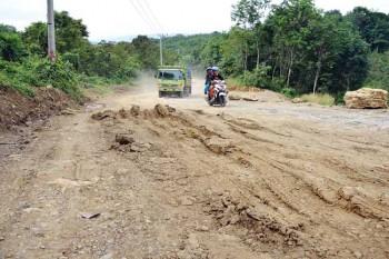 Ruas Jalan Desa yang Rusak Telah Ditangani