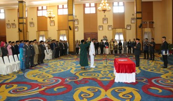 Kaharuddin Resmi Sebagai Wakil Bupati Paser
