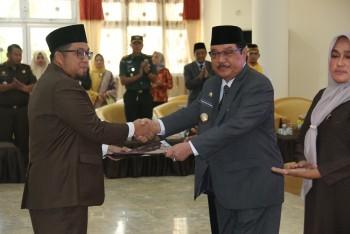 Hadiri Pelantik Ketua DPRD, Bupati Sampaikan Selamat Kepada Kaharuddin