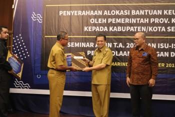 Terima Piagam Menteri Keuangan, WTP ke-7  di Pertahankan